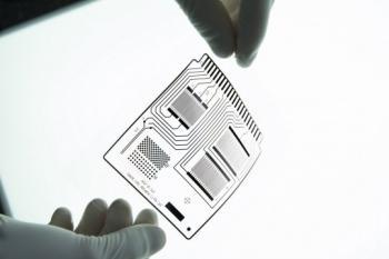 تأسیس و استقرار دبیرخانۀ کمیتۀ فنی متناظر الکترونیک چاپی در ستاد نانو